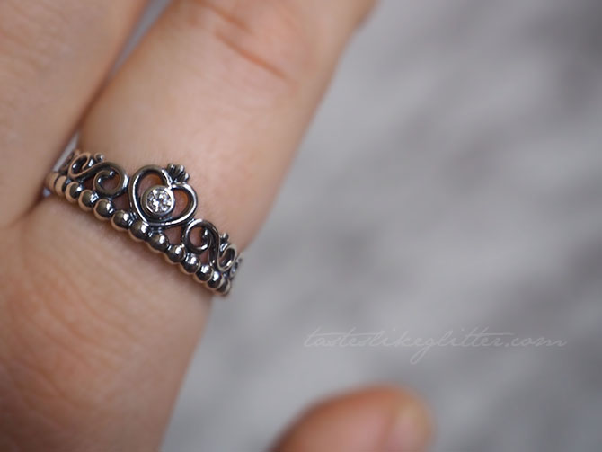 pandora princess crown ring